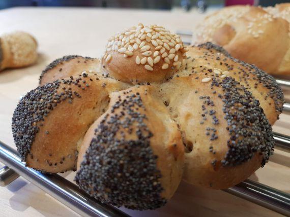Insieme in cucina: forme di pane