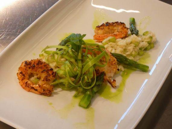 Corso Online > Risotto alle punte d'asparagi con gamberi croccanti in crosta di nocciole