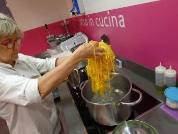gallery/corsi_personalizzati/corsi_personalizzati/2019-06-28/Otto_in_cucina_-_Corso_specifico_su_richiesta_-_2019-06-28-007.JPG