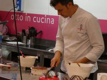 gallery/dolci/corso_base_in_4_lezioni/lezione-4/2020-10-03/Otto_in_cucina_-_Pasticceria_Base_-_Lezione_4_-_2020-10-03-009.JPG