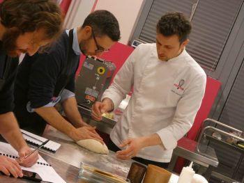 gallery/lievitati/corso_in_3_lezioni/2020-03-05/Otto_in_cucina_-_pane_pizza_lievitati_-_2020-03-05-010.JPG