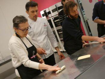 gallery/lievitati/corso_in_3_lezioni/2020-03-05/Otto_in_cucina_-_pane_pizza_lievitati_-_2020-03-05-017.JPG