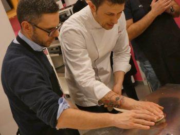 gallery/lievitati/corso_in_3_lezioni/2020-03-05/Otto_in_cucina_-_pane_pizza_lievitati_-_2020-03-05-020.JPG