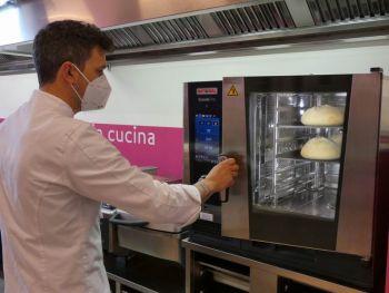 gallery/lievitati/corso_in_3_lezioni/2021-05-29/Otto_in_cucina_-_pane_pizza_lievitati_-_2021-05-29-011.JPG