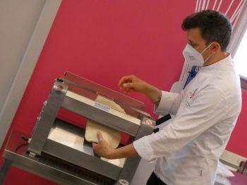 gallery/lievitati/corso_in_3_lezioni/2021-05-29/Otto_in_cucina_-_pane_pizza_lievitati_-_2021-05-29-017.JPG