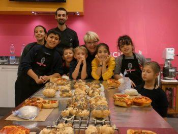 gallery/ragazzi-bambini/bambini/2019-01-05/Otto_in_cucina_-_Pane_e_Pizza_bambini_-_2019-01-05-000.JPG