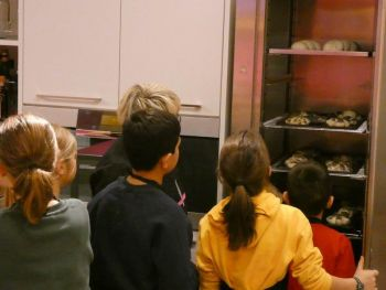 gallery/ragazzi-bambini/bambini/2019-01-05/Otto_in_cucina_-_Pane_e_Pizza_bambini_-_2019-01-05-008.JPG