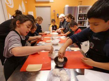 gallery/ragazzi-bambini/bambini/2019-01-05/Otto_in_cucina_-_Pane_e_Pizza_bambini_-_2019-01-05-024.JPG