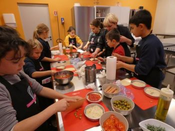 gallery/ragazzi-bambini/bambini/2019-01-05/Otto_in_cucina_-_Pane_e_Pizza_bambini_-_2019-01-05-028.JPG