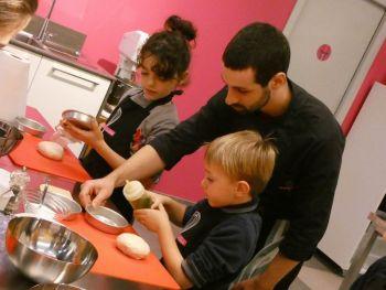 gallery/ragazzi-bambini/bambini/2019-01-05/Otto_in_cucina_-_Pane_e_Pizza_bambini_-_2019-01-05-033.JPG