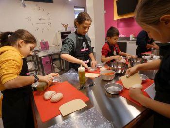 gallery/ragazzi-bambini/bambini/2019-01-05/Otto_in_cucina_-_Pane_e_Pizza_bambini_-_2019-01-05-034.JPG
