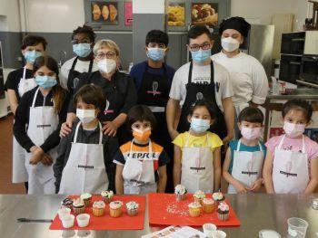gallery/ragazzi-bambini/bambini/2021-05-22/Otto_in_cucina_-_CupCake_bambini_-_2021-05-22-000.JPG
