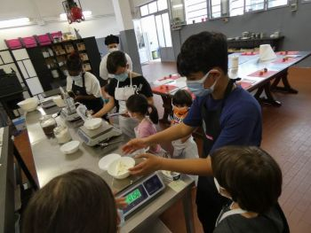 gallery/ragazzi-bambini/bambini/2021-05-22/Otto_in_cucina_-_CupCake_bambini_-_2021-05-22-015.JPG