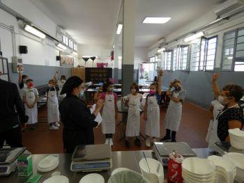 gallery/ragazzi-bambini/bambini/2021-10-02/Otto_in_cucina_-_CupCake_bambini_-_2021-10-02-027.JPG