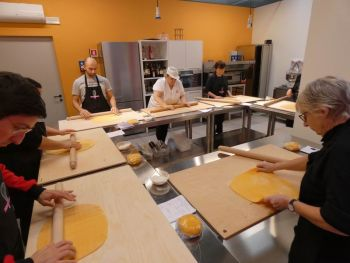 gallery/sfoglia&C/sfoglia_in_7_ore/2020-02-01/Otto_in_cucina_-_Sfoglia_e_tortellino_in_un_giorno_-_2020-02-01-008.JPG
