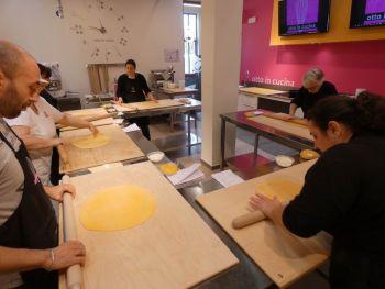 gallery/sfoglia&C/sfoglia_in_7_ore/2020-02-01/Otto_in_cucina_-_Sfoglia_e_tortellino_in_un_giorno_-_2020-02-01-009.JPG