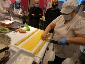 gallery/sfoglia&C/sfoglia_professionale/2021-02-01/Otto_in_cucina_-_Corso_sfoglia_professionale_-_2021-02-01-008.JPG