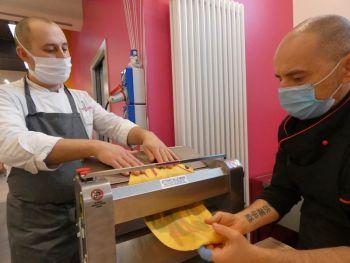 gallery/sfoglia&C/sfoglia_professionale/2021-02-01/Otto_in_cucina_-_Corso_sfoglia_professionale_-_2021-02-01-012.JPG