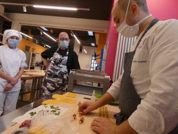 gallery/sfoglia&C/sfoglia_professionale/2021-02-01/Otto_in_cucina_-_Corso_sfoglia_professionale_-_2021-02-01-015.JPG