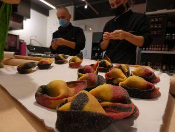 gallery/sfoglia&C/sfoglia_professionale/2021-02-01/Otto_in_cucina_-_Corso_sfoglia_professionale_-_2021-02-01-018.JPG